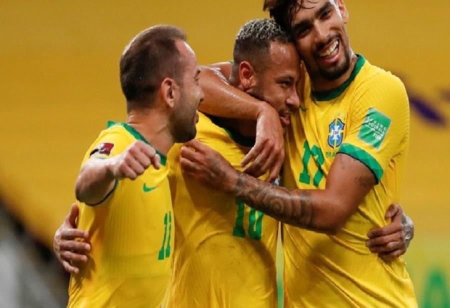 Brasil vence Peru e completa oito vitórias seguidas nas Eliminatórias