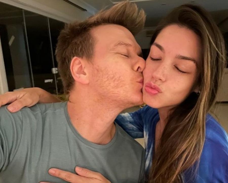 Thais Fersoza desmente boatos sobre fim de seu casamento com Michel Teló