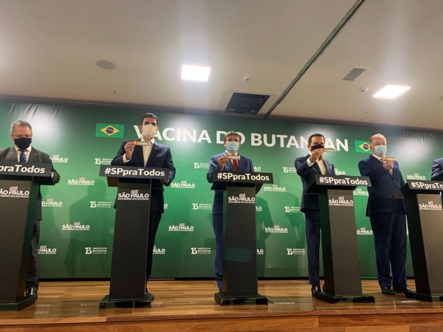 Governadores oficializam compra direta de Coronavac e recebem primeiros lotes de vacinas