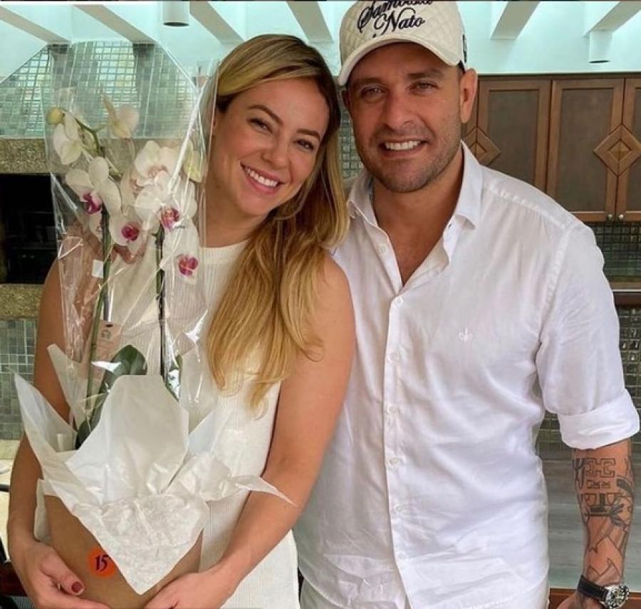 Assessoria nega casamento de Paolla Oliveira e Diogo Nogueira
