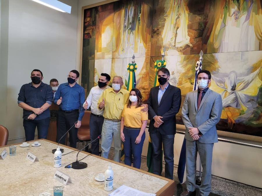 Sinduscon e Prefeitura firmam parceria que acelera licenciamento de obras