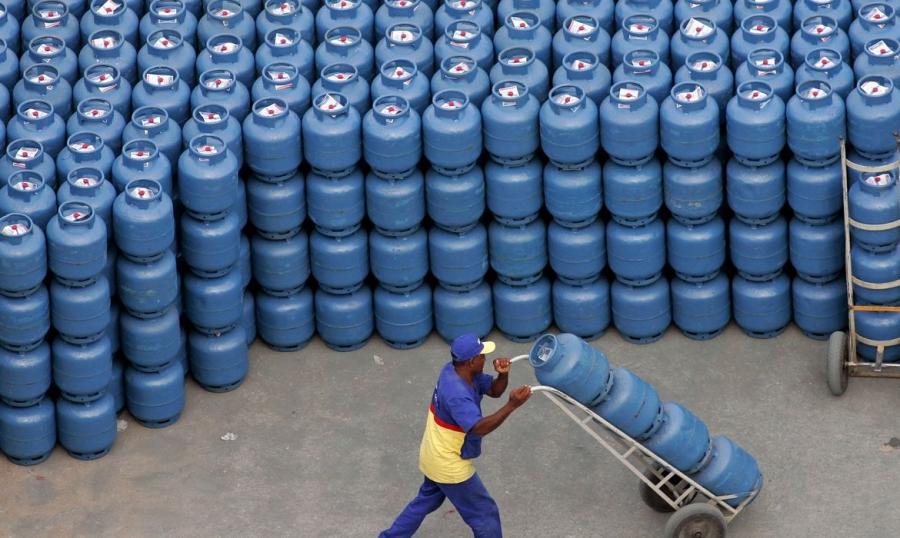 Senado aprova criação de auxílio para gás de cozinha